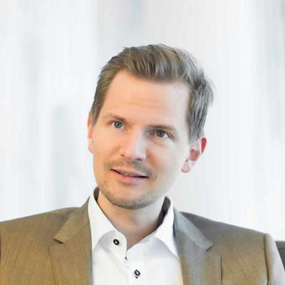 Dr. Christian Voss